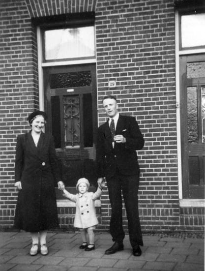 1939: Mijn oudste broer bezoekt met zijn ouders de Bleekersstraat.