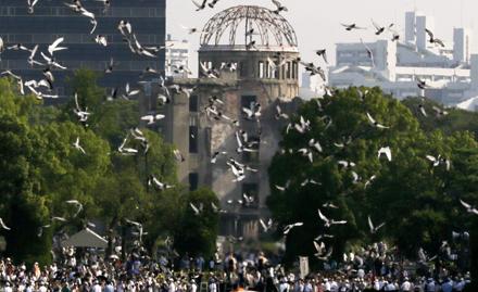 De herdenking in Hiroshima: 55.000 toeschouwers.
