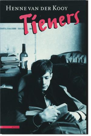 Het boek Tieners, dat Henne van der Kooy schreef.