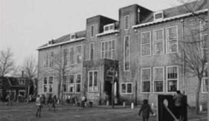 De Vissershopschool - wie durft het dak te beklimmen?